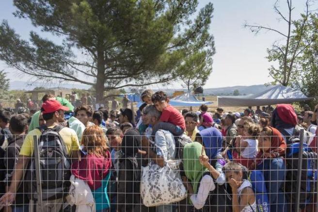 Pakolaisia Kreikan ja Makedonian rajalla I. Prickett UNHCR